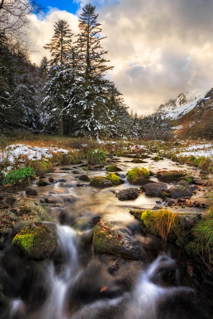 Pyrennees - Mountain stream